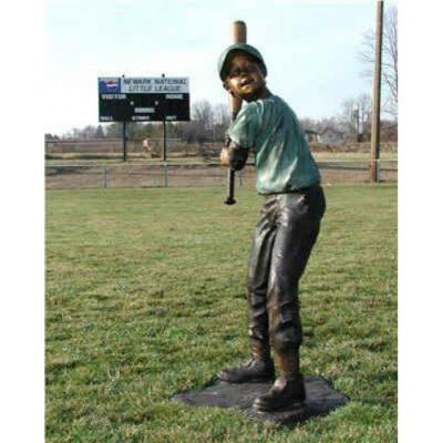 zahradni bronzová socha - Basebal chlapec - odpalovac