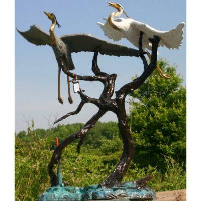 Záhradní bronzová socha - Dvě létající volavky
