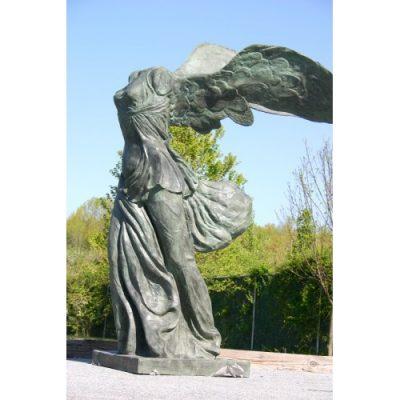 zahradni bronzova socha - Okridlene vitezstvi Samotrhace