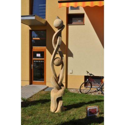 Zahradní dřevěná skluptura - Z hlubin země