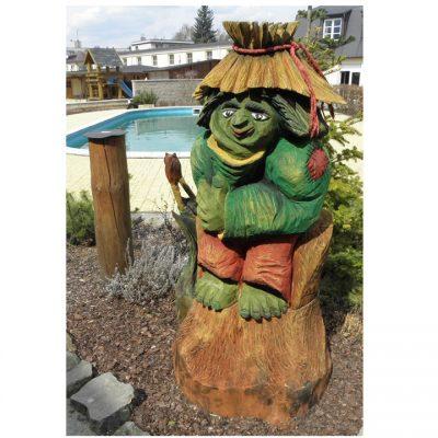 Zahradní dřevěná socha - Barevný vodník