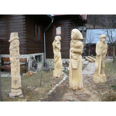 Zahradní dřevěné sochy - Čtyři dřevěné sochy