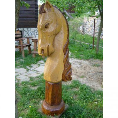 Zahradní dřevěná socha - Dřevěná koňská hlava