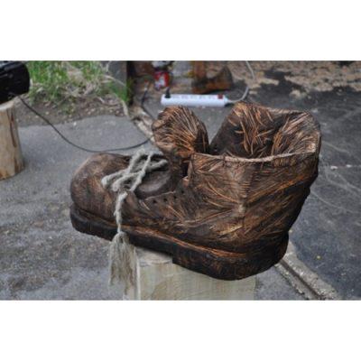 Zahradní dřevěná socha - Dřevěná bota obra Valibuka