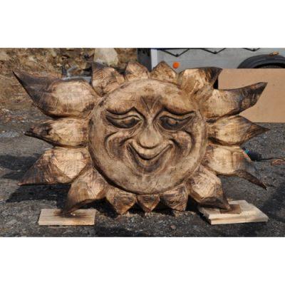 Zahradní dřevěná skluptura - Usměvavé sluníčko