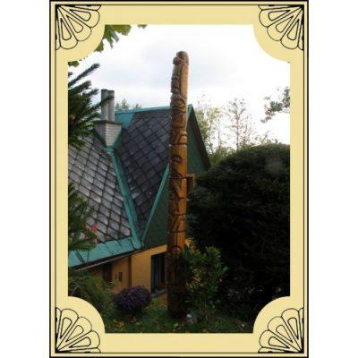 Zahradní dřevěná socha - Vysoký dřevěný indiánský totem