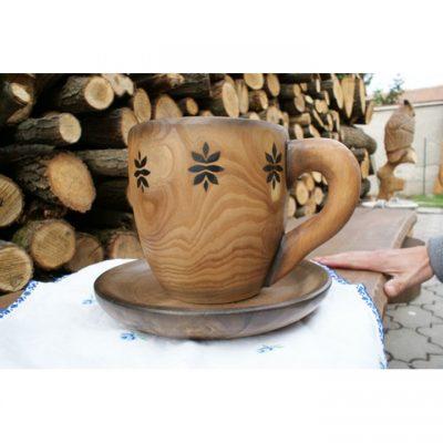 Velký dřevěný hrnek