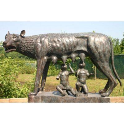 Vlčice, Romulus a Remus (velká socha)