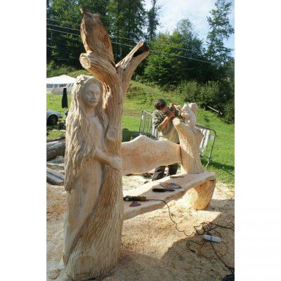 Zahradní dřevěná lavička - Paní lesa
