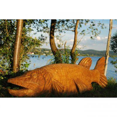 Zahradní dřevěná socha - Dřevěná štika